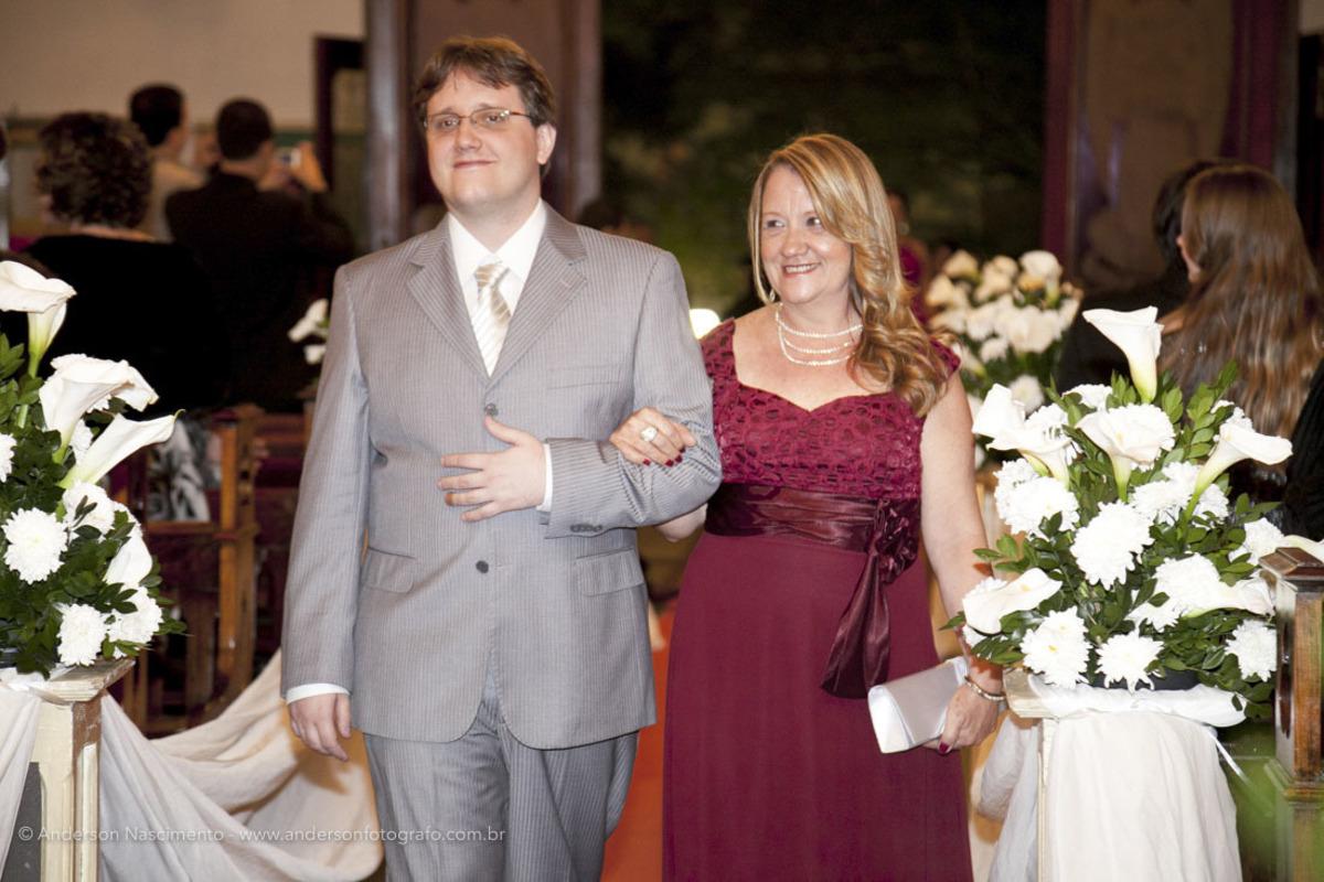entrada-noivo-Casamento-Igreja-Matriz-Nossa-Senhora-Conceicao-Resende-rj