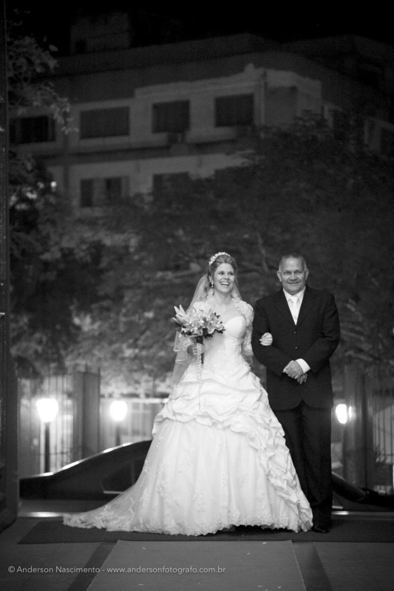 entrada-noiva-Casamento-Igreja-Matriz-Nossa-Senhora-Conceicao-Resende-rj
