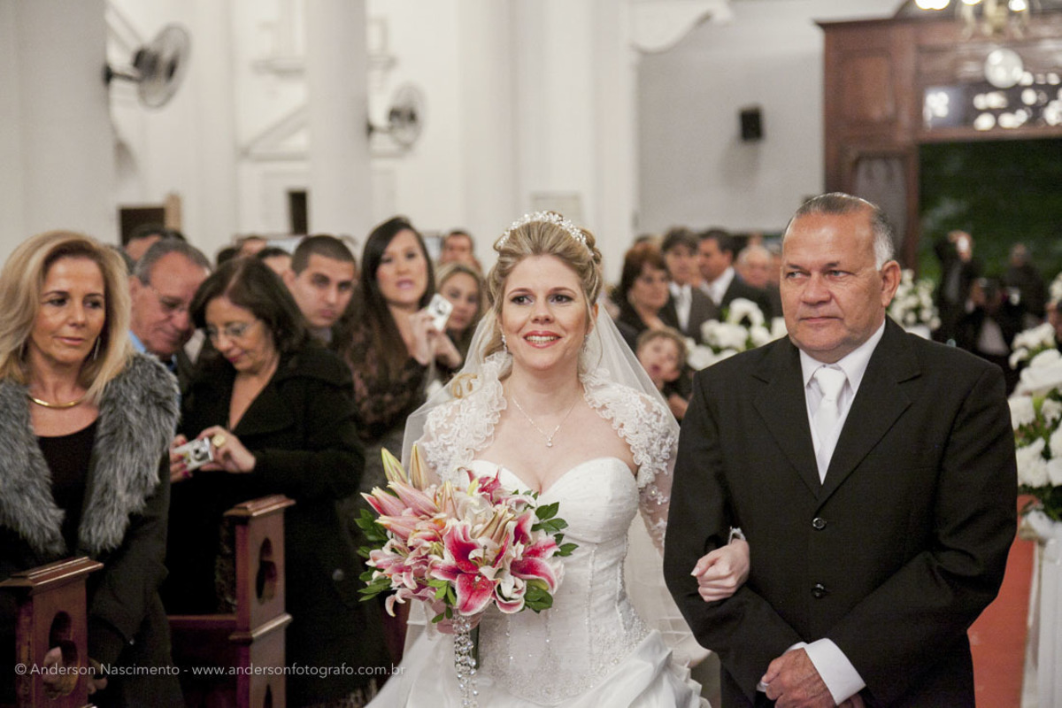 entrada-noiva2-Casamento-Igreja-Matriz-Nossa-Senhora-Conceicao-Resende-rj