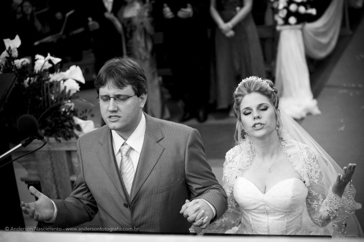 noivos-orando-Casamento-Igreja-Matriz-Nossa-Senhora-Conceicao-Resende-rj