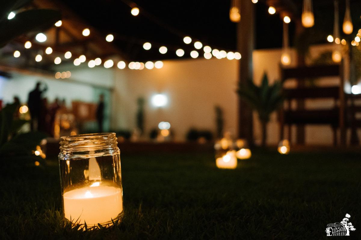Pote com vela em decoração DIY para casamento