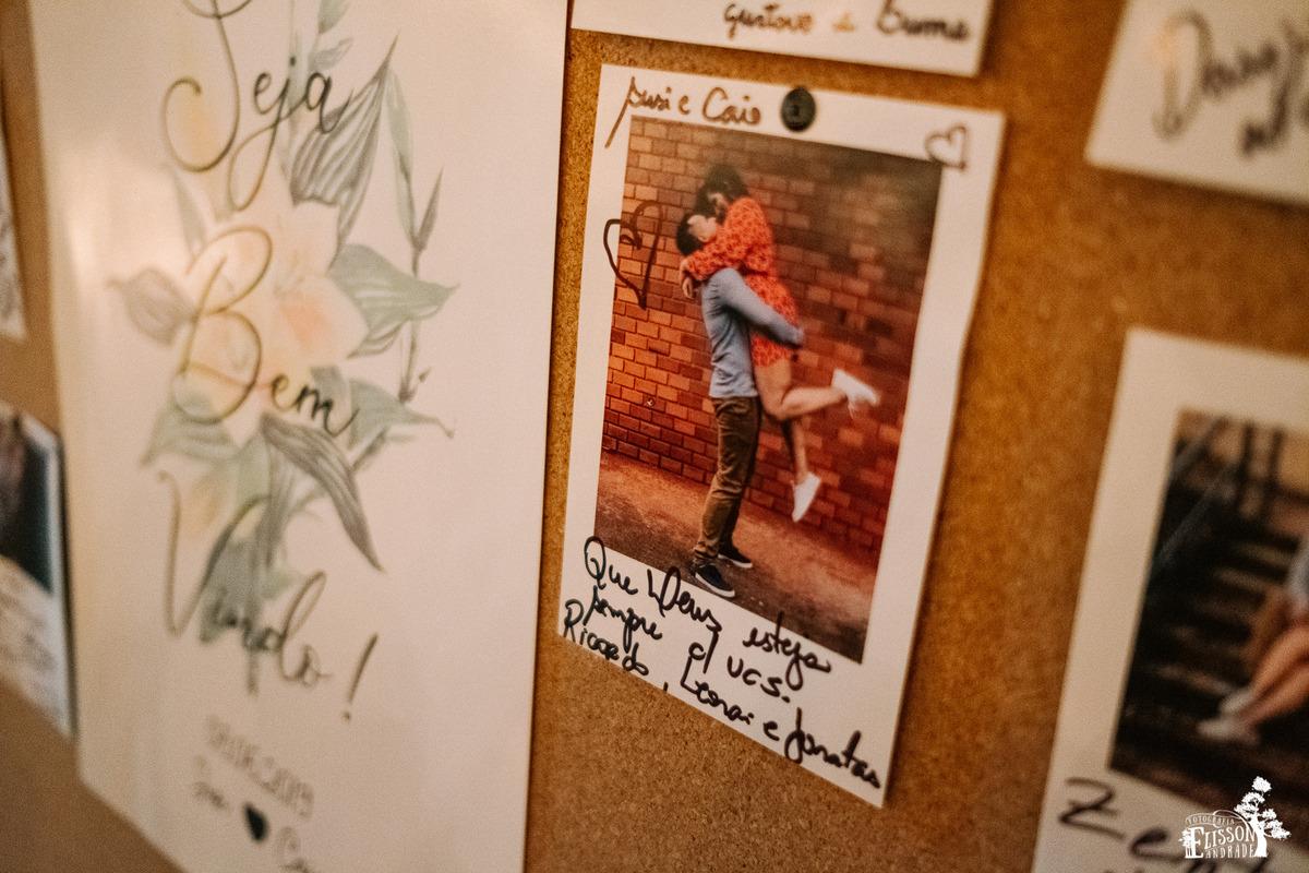 quadro de recados com fotos assinadas pelos convidados, casamento e decoração DIY, boho