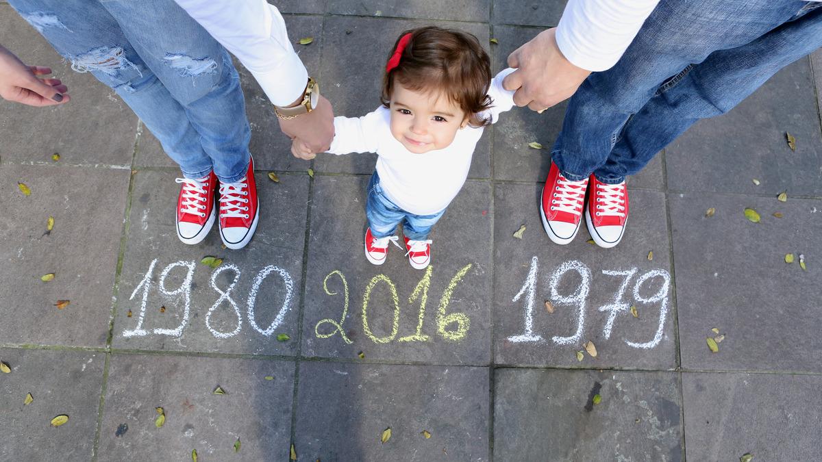 1980-2016-1979-aline-marcelo-olivia-ensaio-gestante-acompanhamento-pracinha-smash-the-cake-smash-the-fruit-all-star-vermelho-casal-papai-mamae-foot-preta-e-branca-bebe-na-xicara-bebe-de-gorrinho-ensaio-com-xicara-ensaio-com-gorrinho-ensaio-recem-nascido-ensaio-newborn-pracinha-bebe-na-pracinha-bebe-no-balanço-bebe-se-divertindo-bebe-feliz-bebe-alegre-bebe-brincando-bebe-se-lambuzando-com-bolo-bebe-comendo-frutas-bebe-no-smash-the-cake