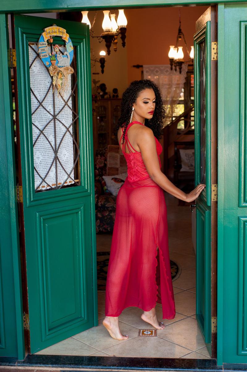 Modelo Ligia Martins faz novo ensaio sensual para o Bella