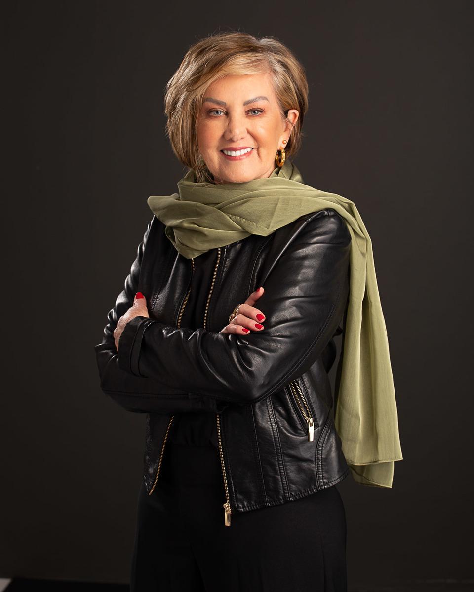Rosana Romano produzida por Gabriela Guedes