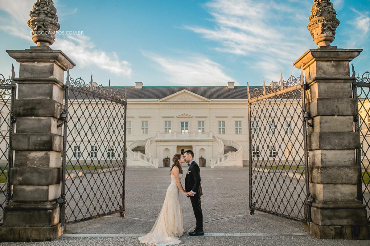 casal em palácio na alemanha