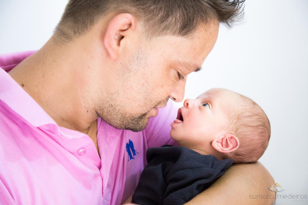 bebê com o pai