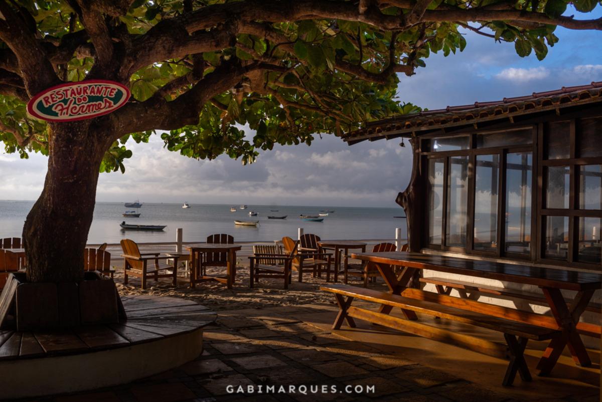 Restaurante na praia de cumuruxatiba