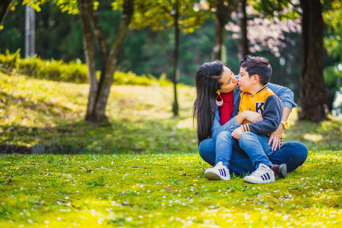 ensaio de familia no japao, fotografo em aichi, mae e filho no japao