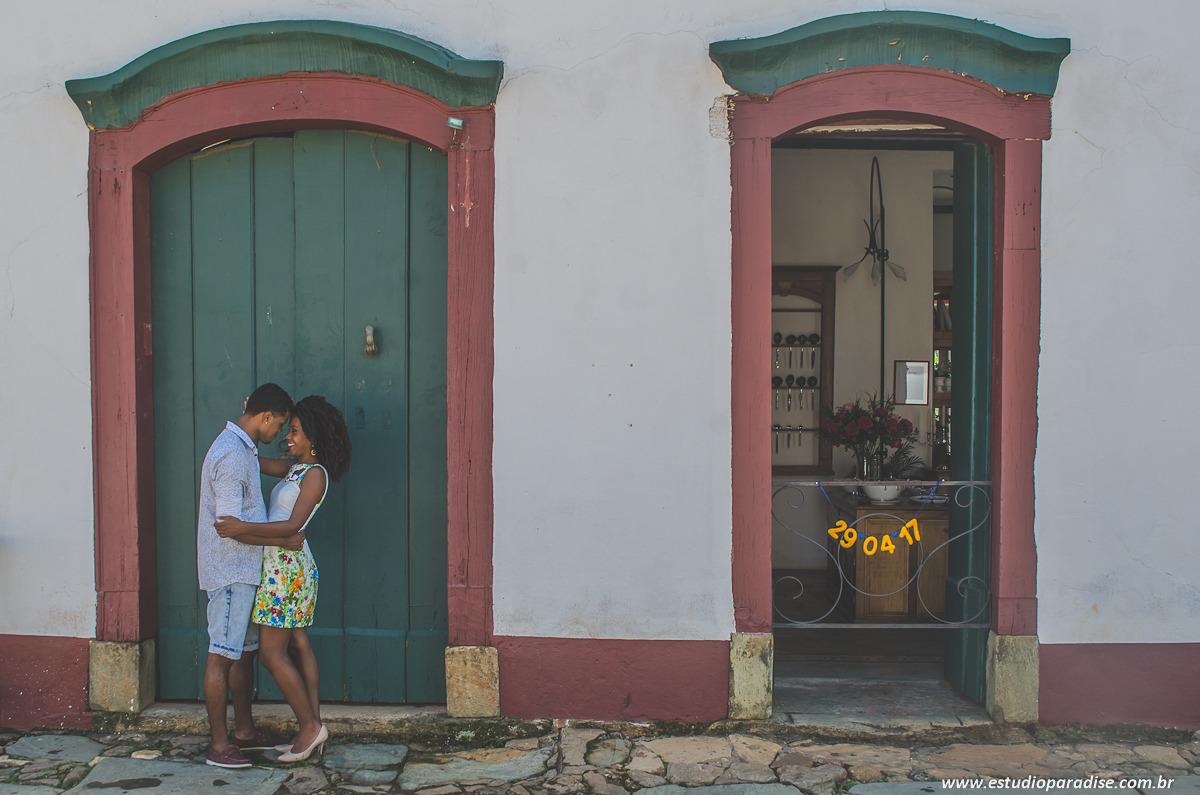 O ensaio pre-wedding do Lucas e da Ainoã foi em Tiradentes/MG