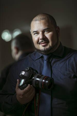Sobre Fredi Fotos fotografia de Casamentos - Fotógrafo Curitiba - Pre Weddin - Ensaio externo - Paraná - Melhor Fotógrafo do Brasil
