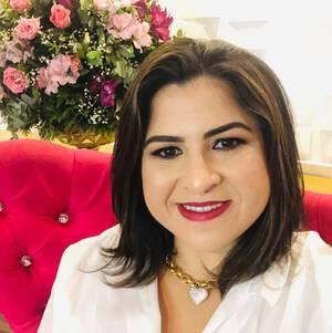 Sobre Ana Menezes